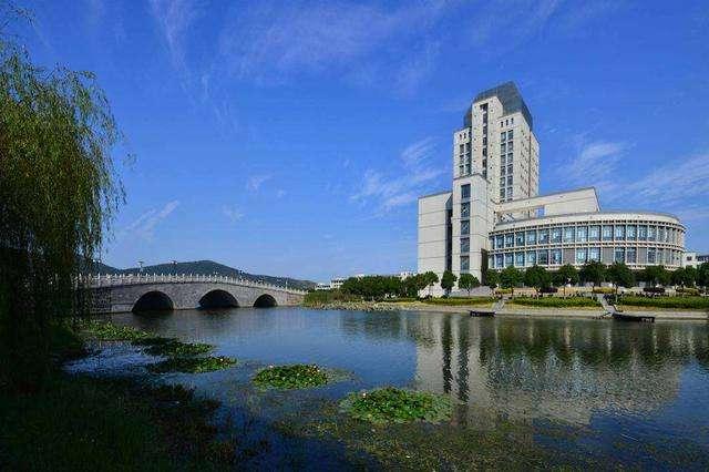 江南大学416.jpg
